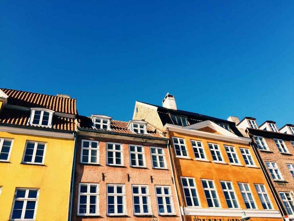 2 days in copenhagen: colorfull houses in nyhavn