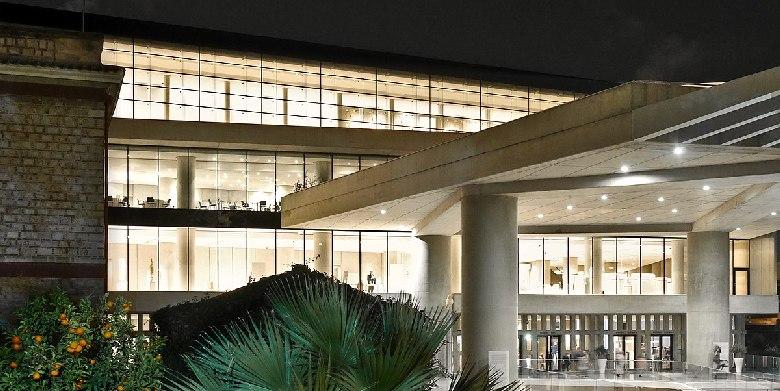museo acropoli di notte