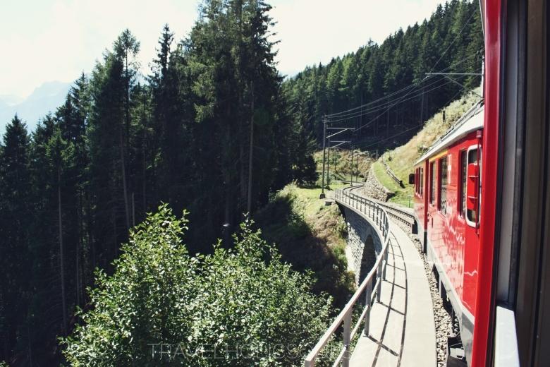 ferrovia svizzera panoramica