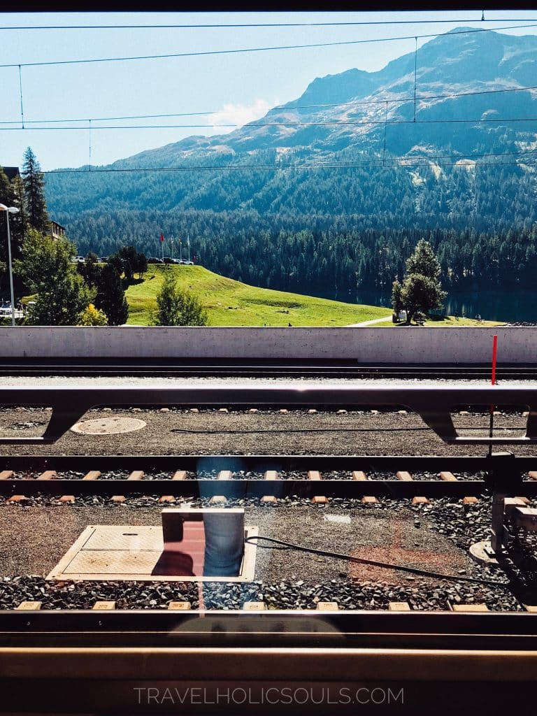 treno del bernina ferrovie retiche st. moritz