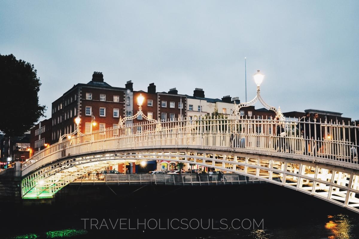Ha'Penny Bridge a Dublino