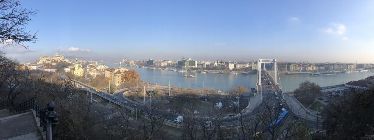 vista dalla collina di San Gerardo su Budapest