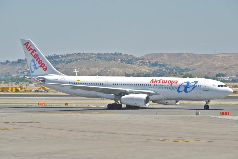 air europa velivolo atterraggio