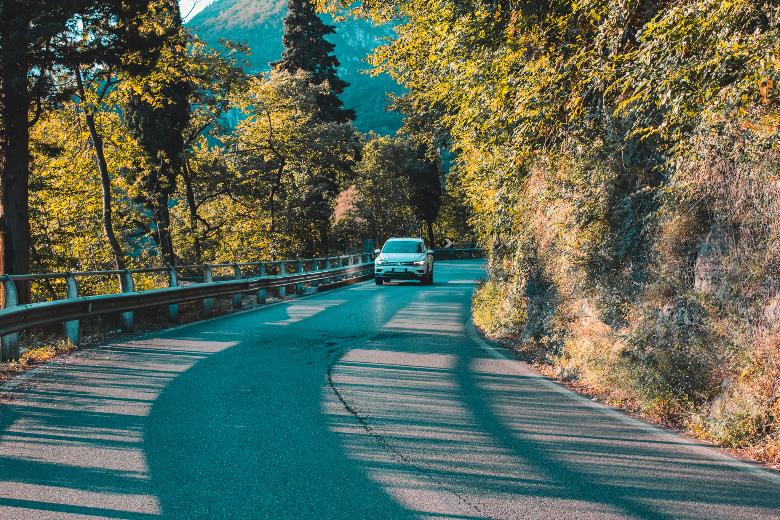 lago di como: come muoversi in auto