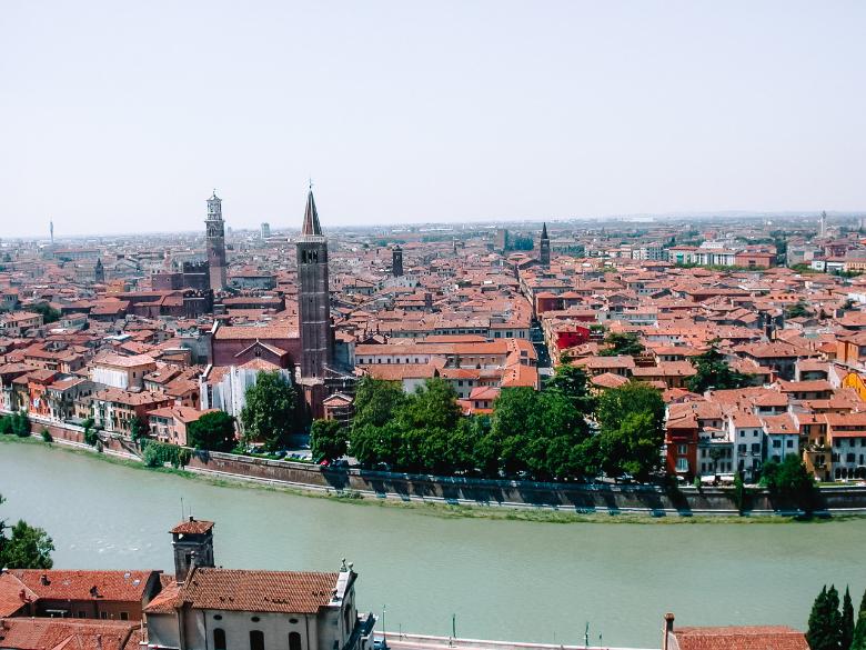 Vista sulla città di Verona