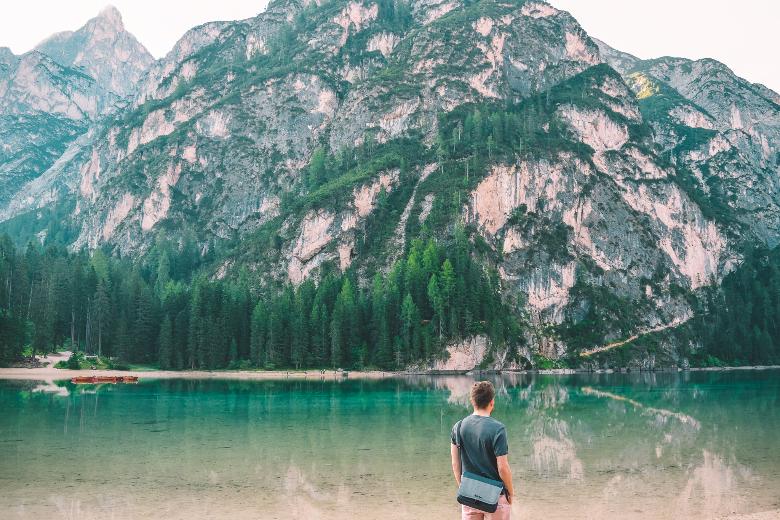 nuotare nel lago