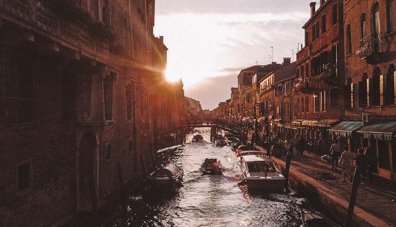 Tramonti sui canali di Venezia